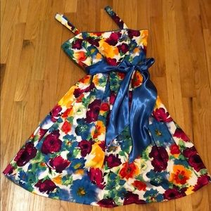 🎉Just Reduced 🎉👗HP👗 Spense Floral Dress